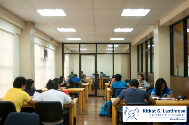 STUDY TIME. The University Athletics Office recently opened the new athletes' study hall in the third floor of the Blue Eagle Gym. Photo by Kitkat S. Lastimosa